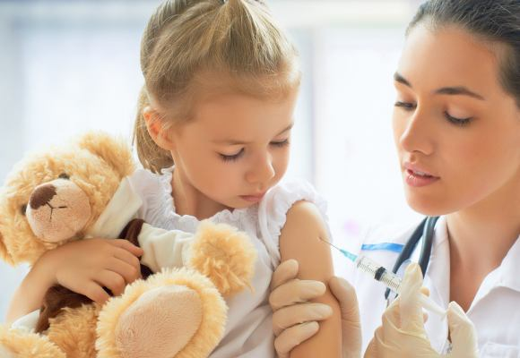 ¿Puede influir la microbiota intestinal en la vacunación en la infancia?